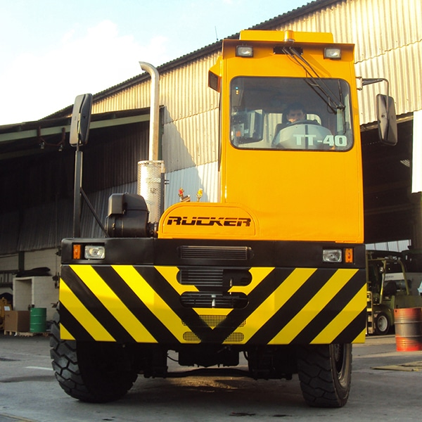 Terminal Tractor; Cavalo Mecânico